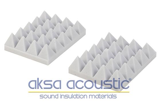 akustik piramit süngeri